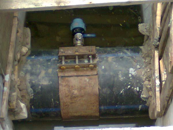 Врезка в трубу водопровода без сварки