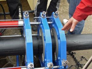 Монтируем ПНД трубы и фитинги для водопровода