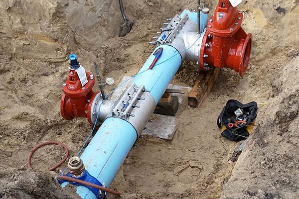 Врезка в металлическую водопроводную трубу