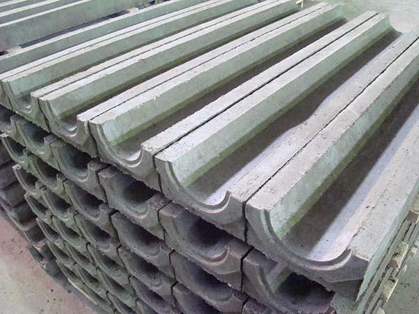 Виды бетонных лотков для канализации