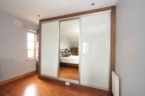 Как сделать стену между комнатами: материалы и инструкция