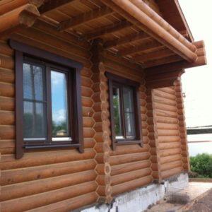 Пластиковые окна в деревянном доме: выбор и преимущества перед деревянными