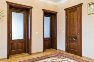 Как установить дверь: особенности установки разных видов дверей